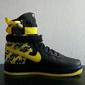 Nike SF AF1 Black/Yellow Nike AR1955 001 New